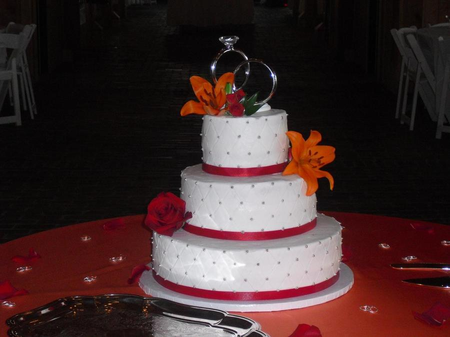 wedding cake silver ribbon wedding cake with ribbon and silver dragees 24552