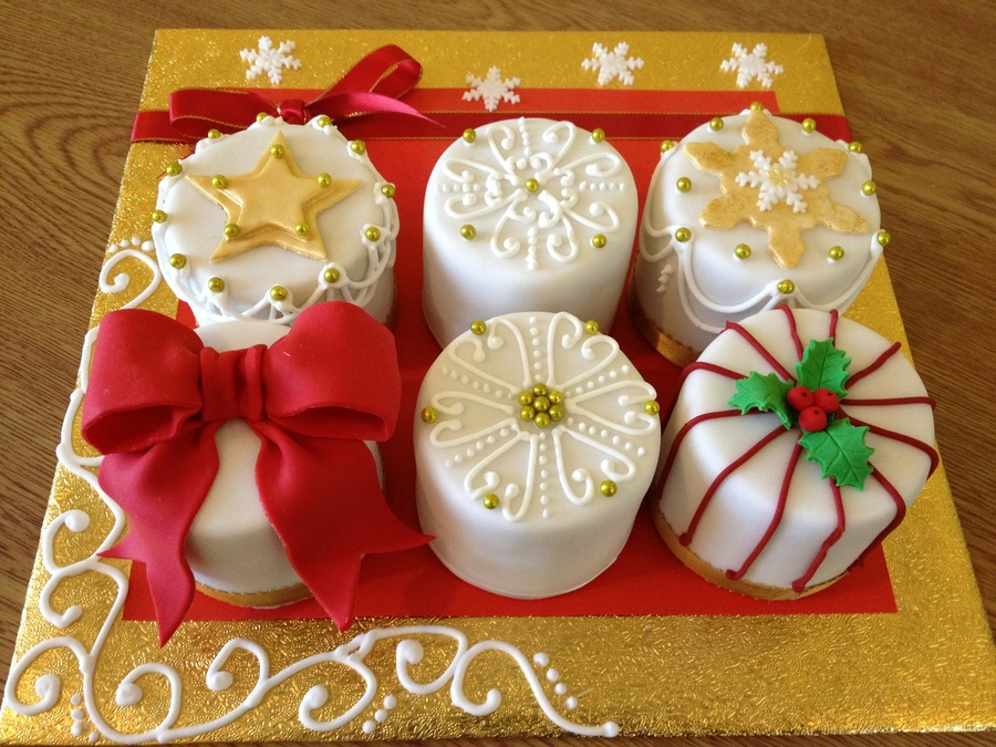 Christmas Cakes on Cake Central
