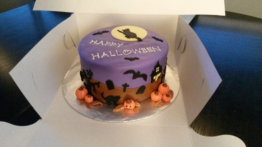 Halloween1 on Cake Central