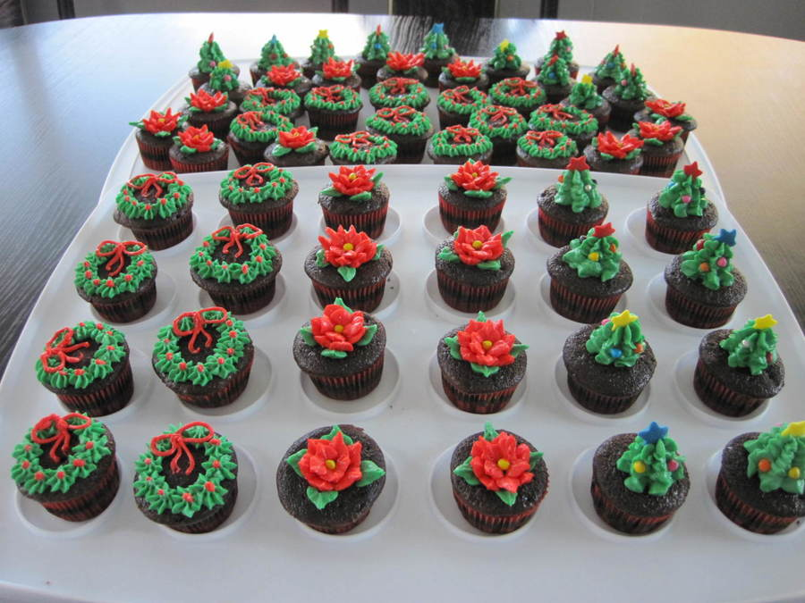 Mini Christmas Cupcakes on Cake Central