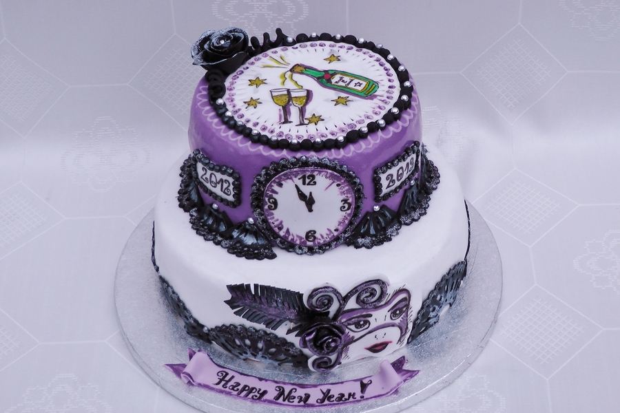 Ultraviolet New Eve  on Cake Central