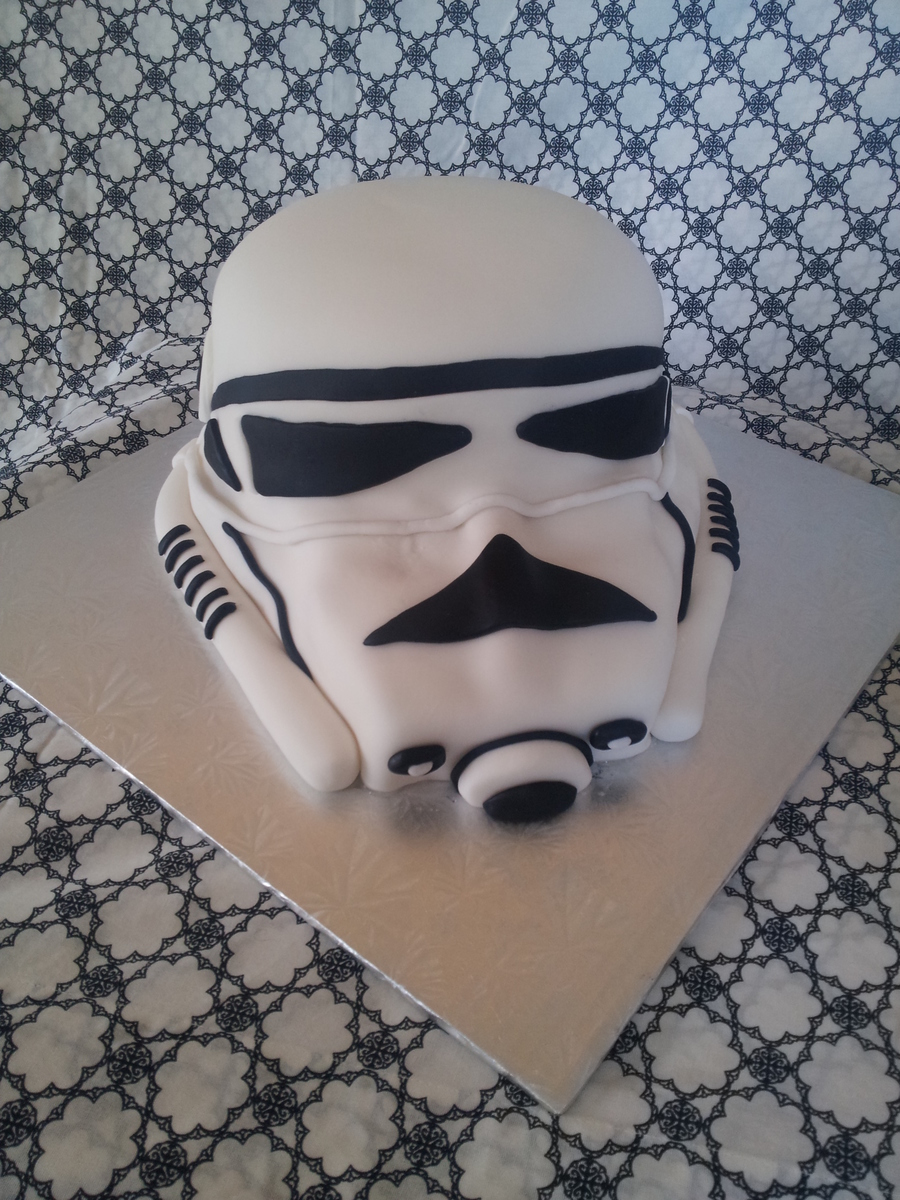 Star Wars Storm Trooper Cake on Cake Central