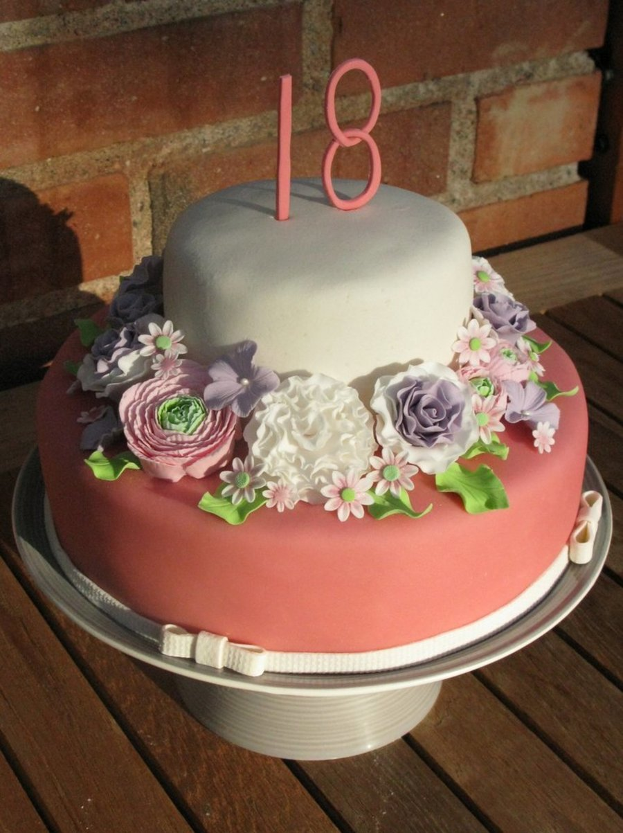 Superb An 18Th Birthday Cake With Lots And Lots Of Handmade Sugar Flowers Funny Birthday Cards Online Alyptdamsfinfo