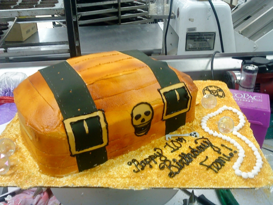 Treasure Chest Cake  on Cake Central