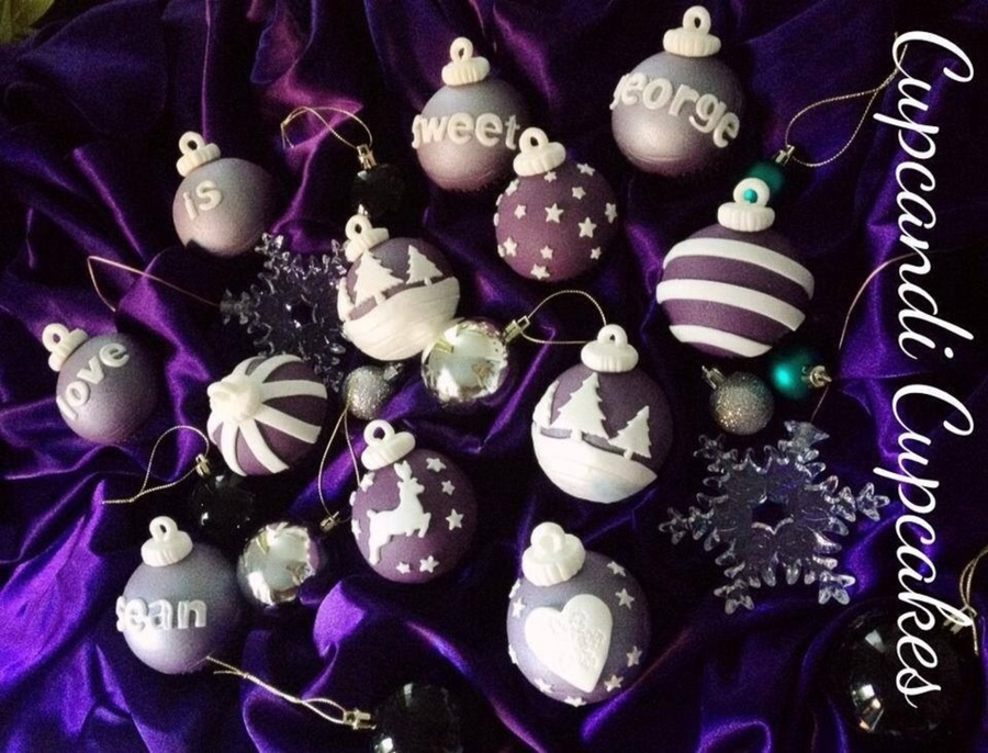 Regal Purple Christmas Bauble Cupcakes on Cake Central