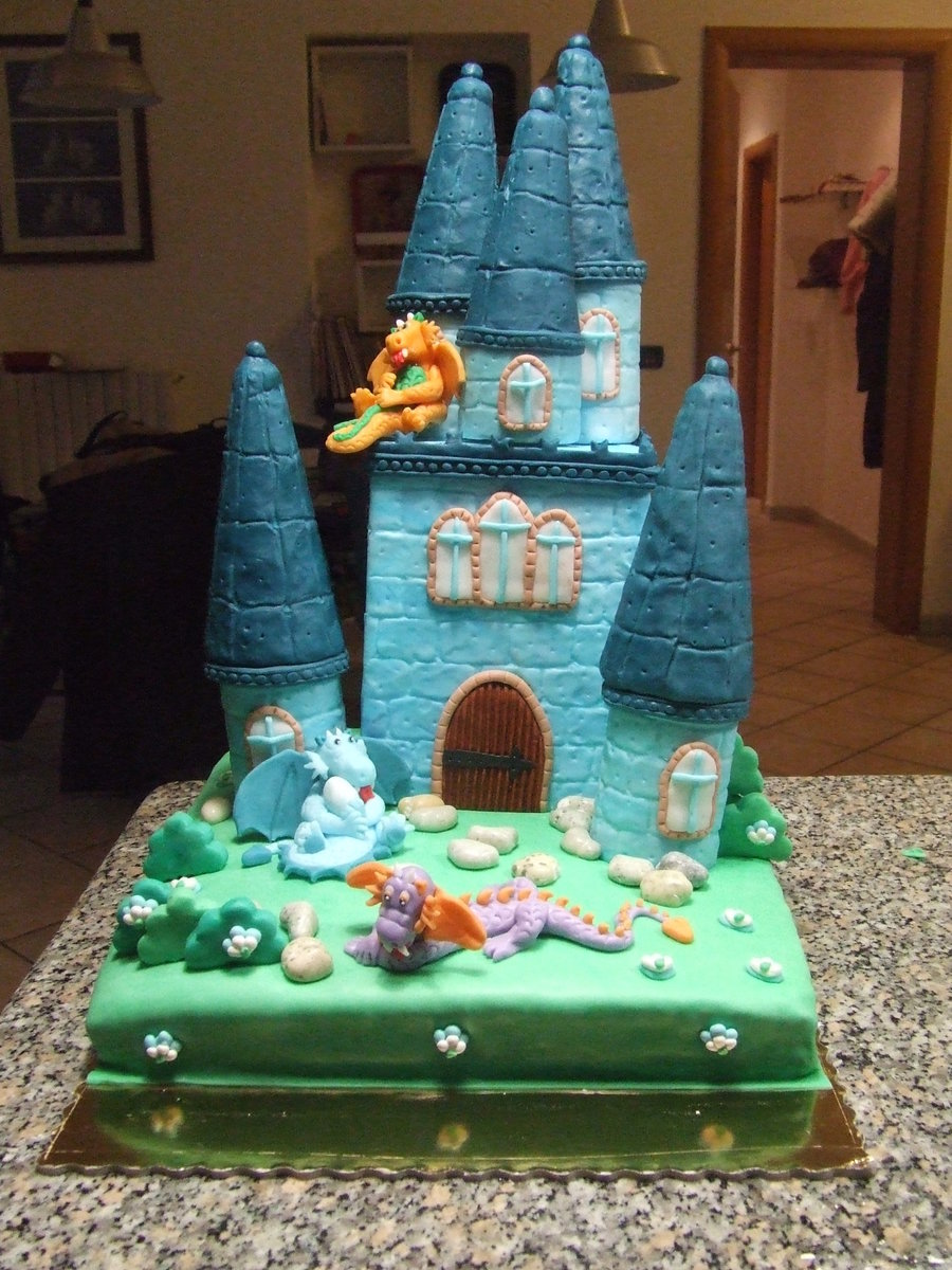 Dragon Castle on Cake Central