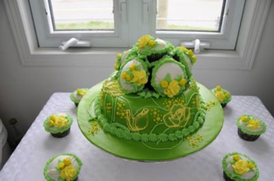 75Th Birthday Cake Foe My Mother In Law Who Adores Yellow Roses On Central