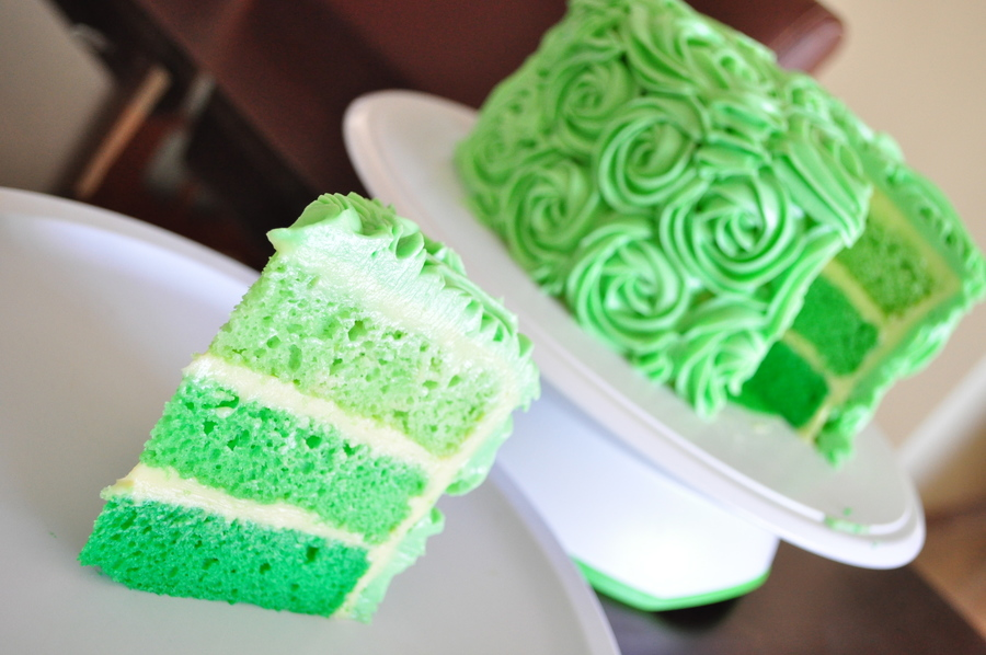 Green Roses on Cake Central