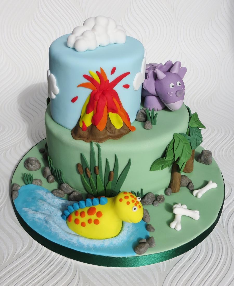 Making A Dinosaur Cake For Birthday