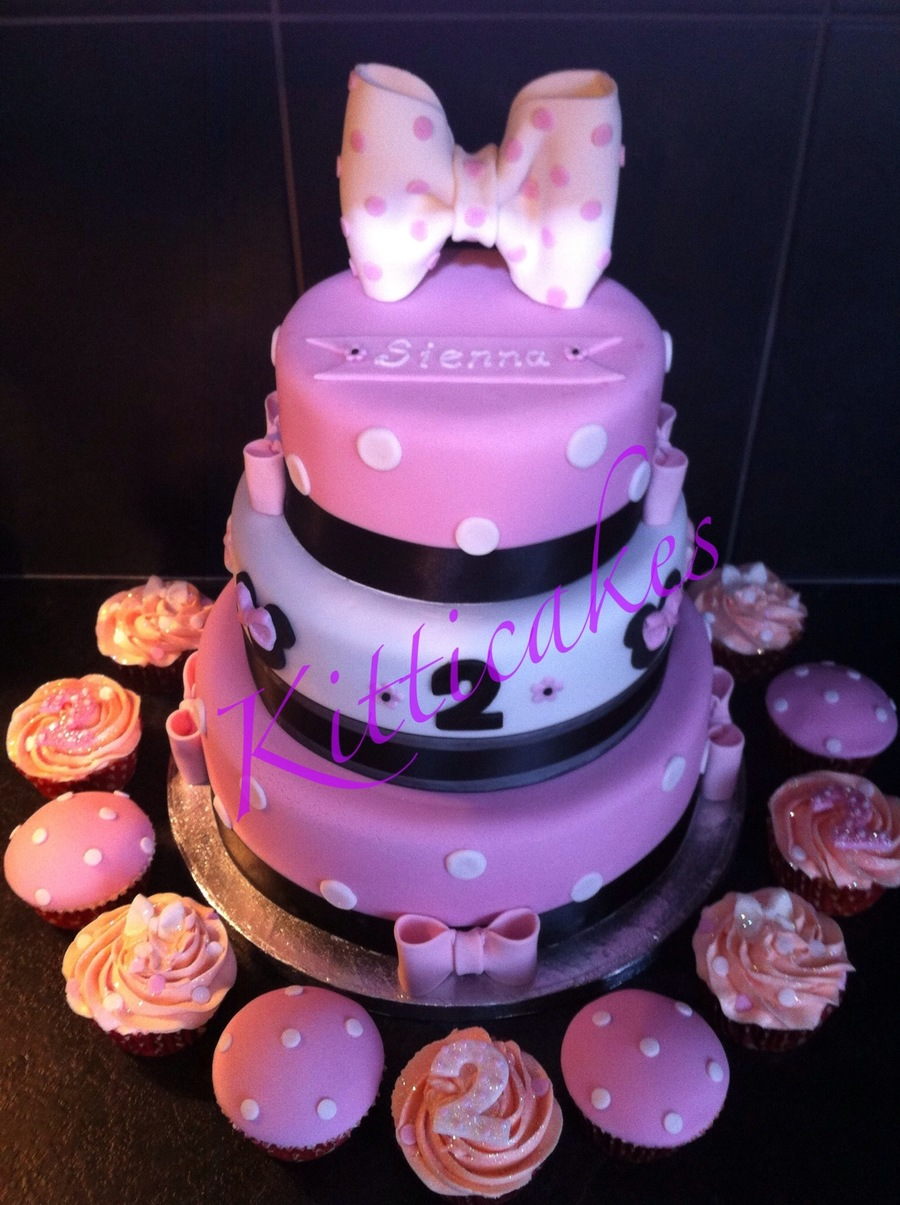 Minnie Mouse 3 Tier Birthday Cake! on Cake Central