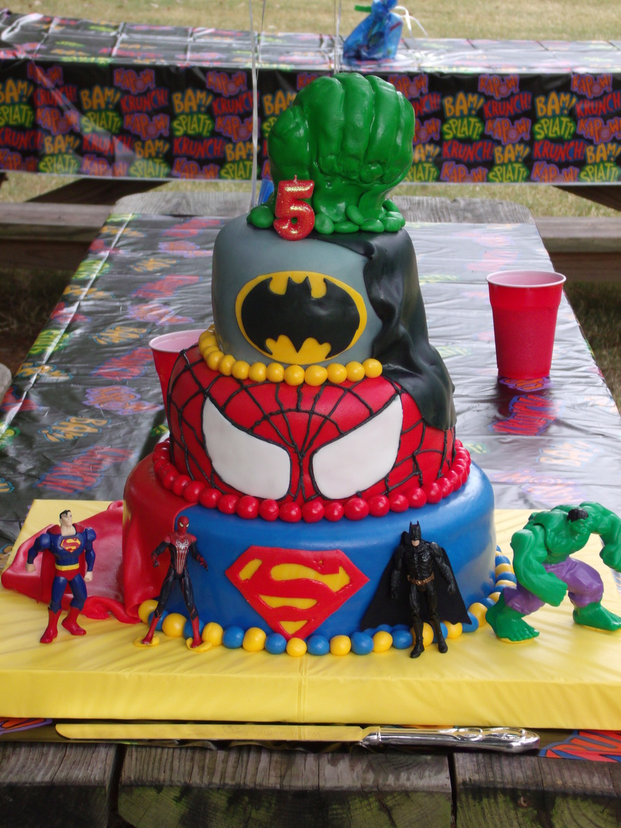 Super Heros To The Rescue  on Cake Central
