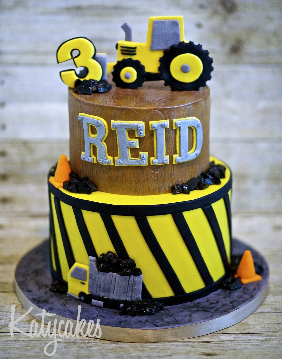 Awe Inspiring Construction Themed Birthday Cake Cakecentral Com Funny Birthday Cards Online Elaedamsfinfo