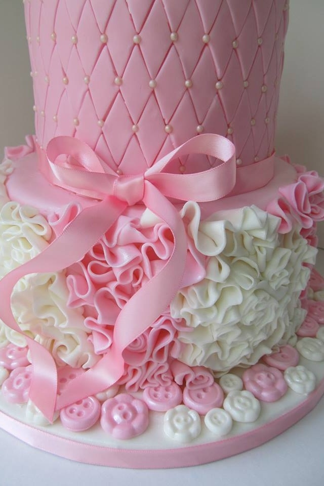 this cake was created for the recipient of a gift certificate that