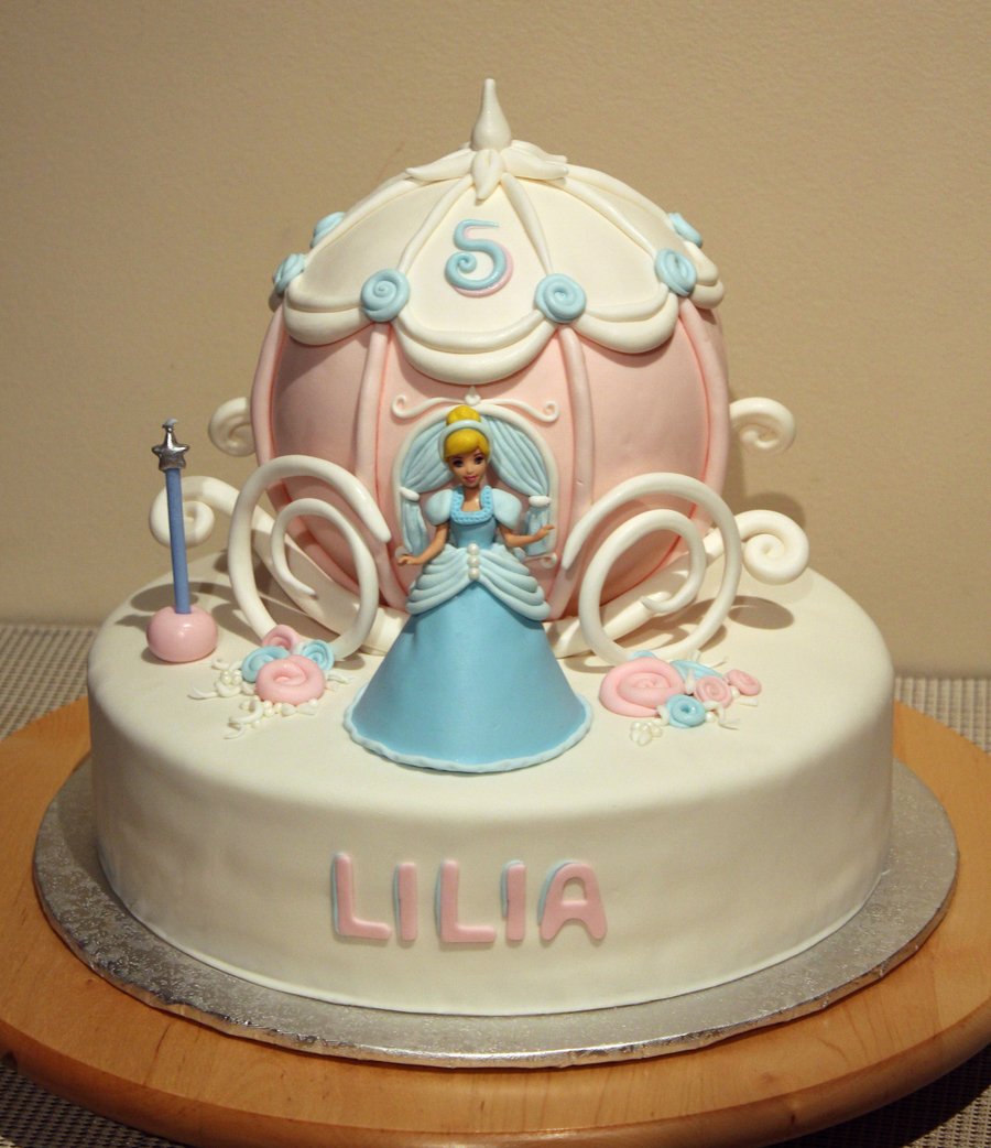 Gateau Layer Cake Disney