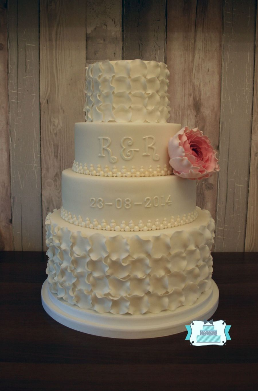 petal wedding cake white petal wedding cake cakecentral 18301
