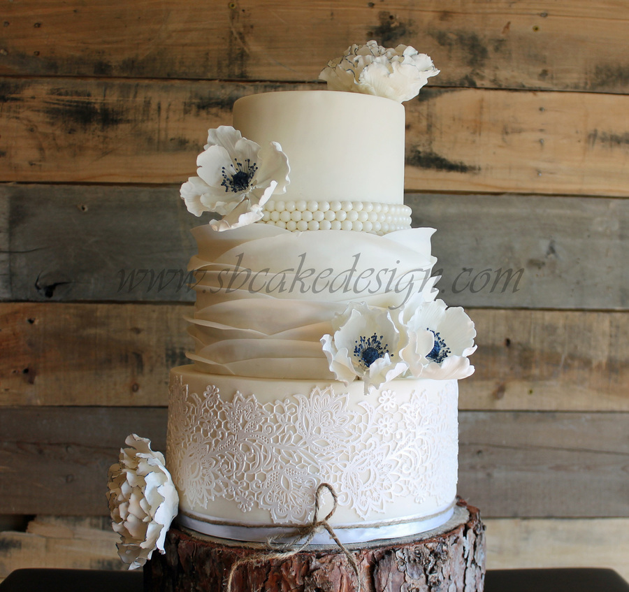 wedding cake ruffles lace and ruffle wedding cake cakecentral 23732