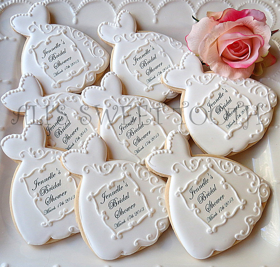 Fine Personalized Wedding Favors and Custom Wedding Related Gifts We offer the best custom wedding products on the web! We can help make a wedding special with unique wedding favors, personalized bridesmaid and groomsman gifts, keepsakes for the bride and groom, and more.