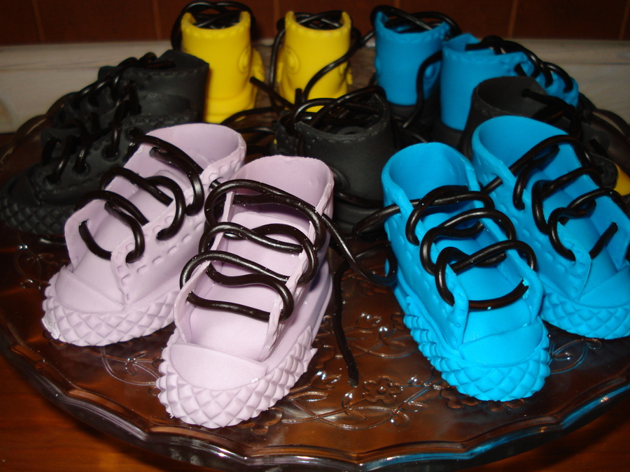 Gumpaste Sneakers  on Cake Central