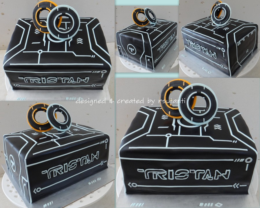 Tron Theme Birthday Cake For A 14 Year Old Boy Decorations Are Made Of Fondant On