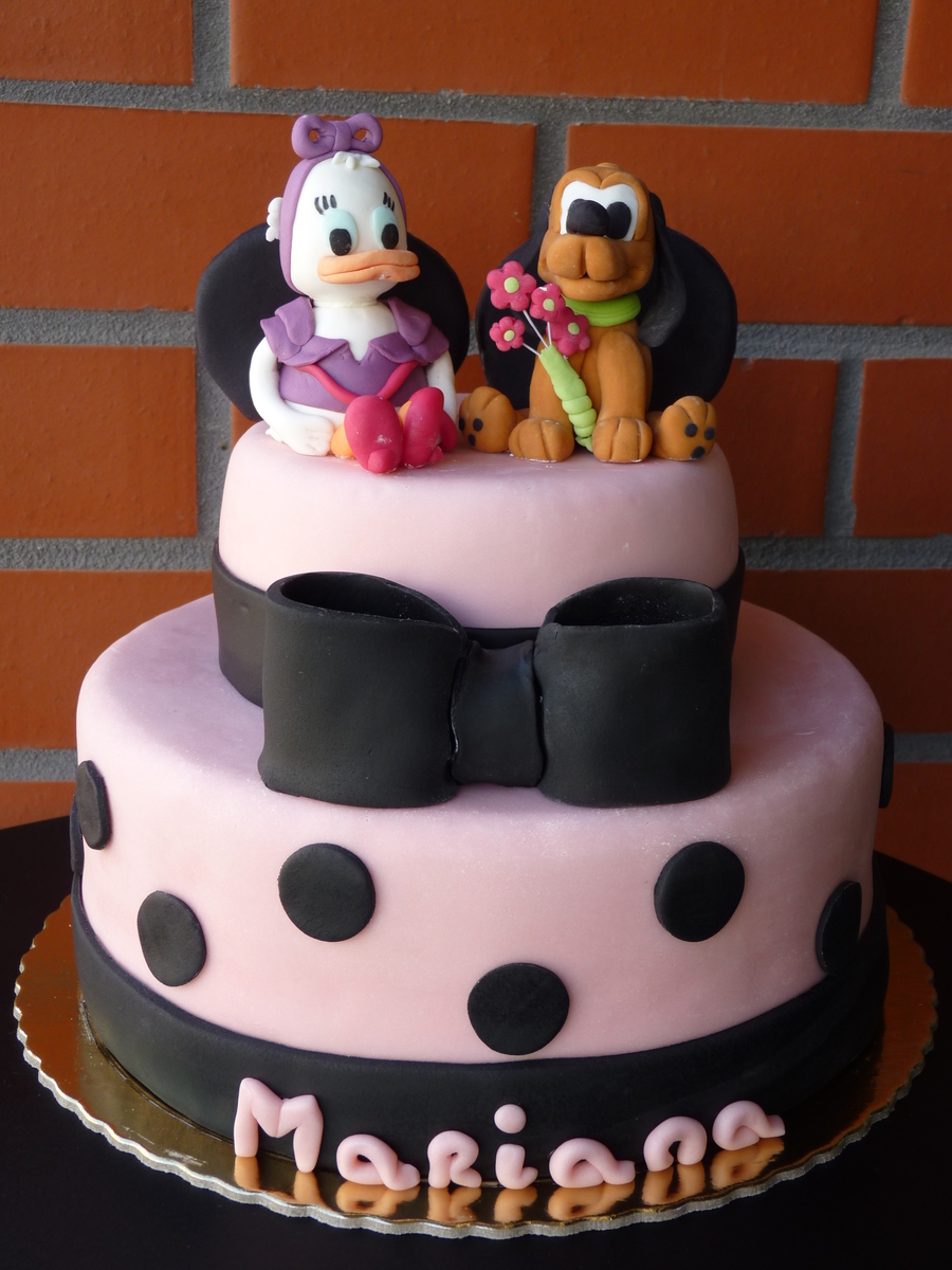 By Aventuras Coloridas on Cake Central