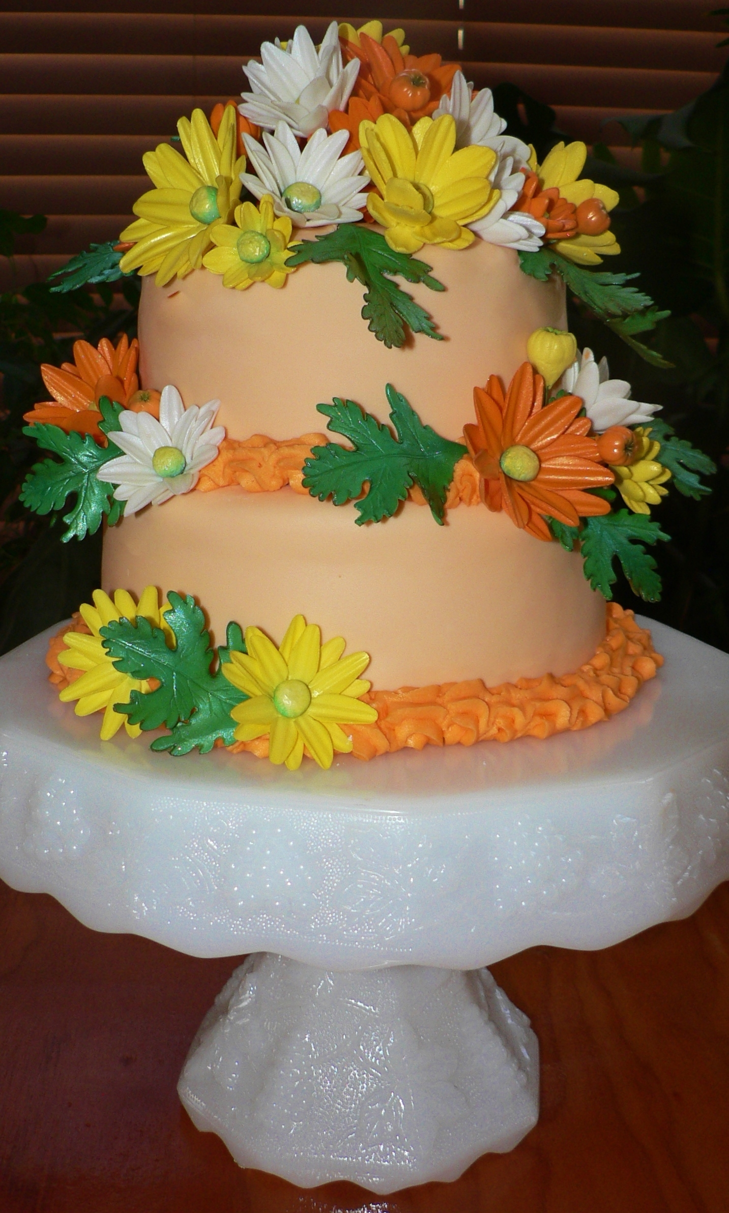 Daisy flower birthday cake cakecentral hand made edible daisies on a tiered carrot cake birthday cakes izmirmasajfo