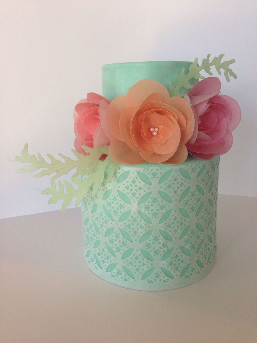 Becoming Obsessed With Wafer Paper My First Tier Wrap And Ranunculus