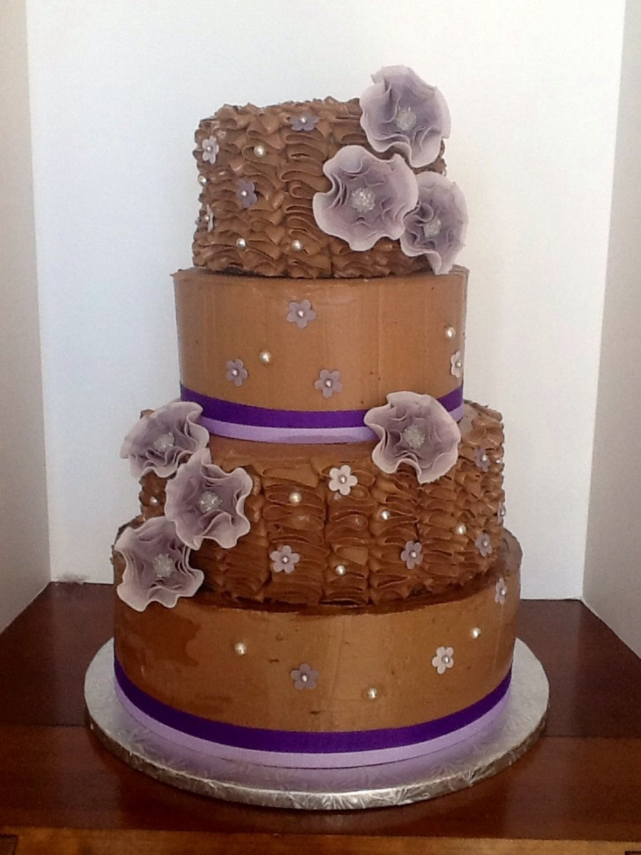 wedding cake layers per tier chocolate almond toffee wedding cake each tier has 23075