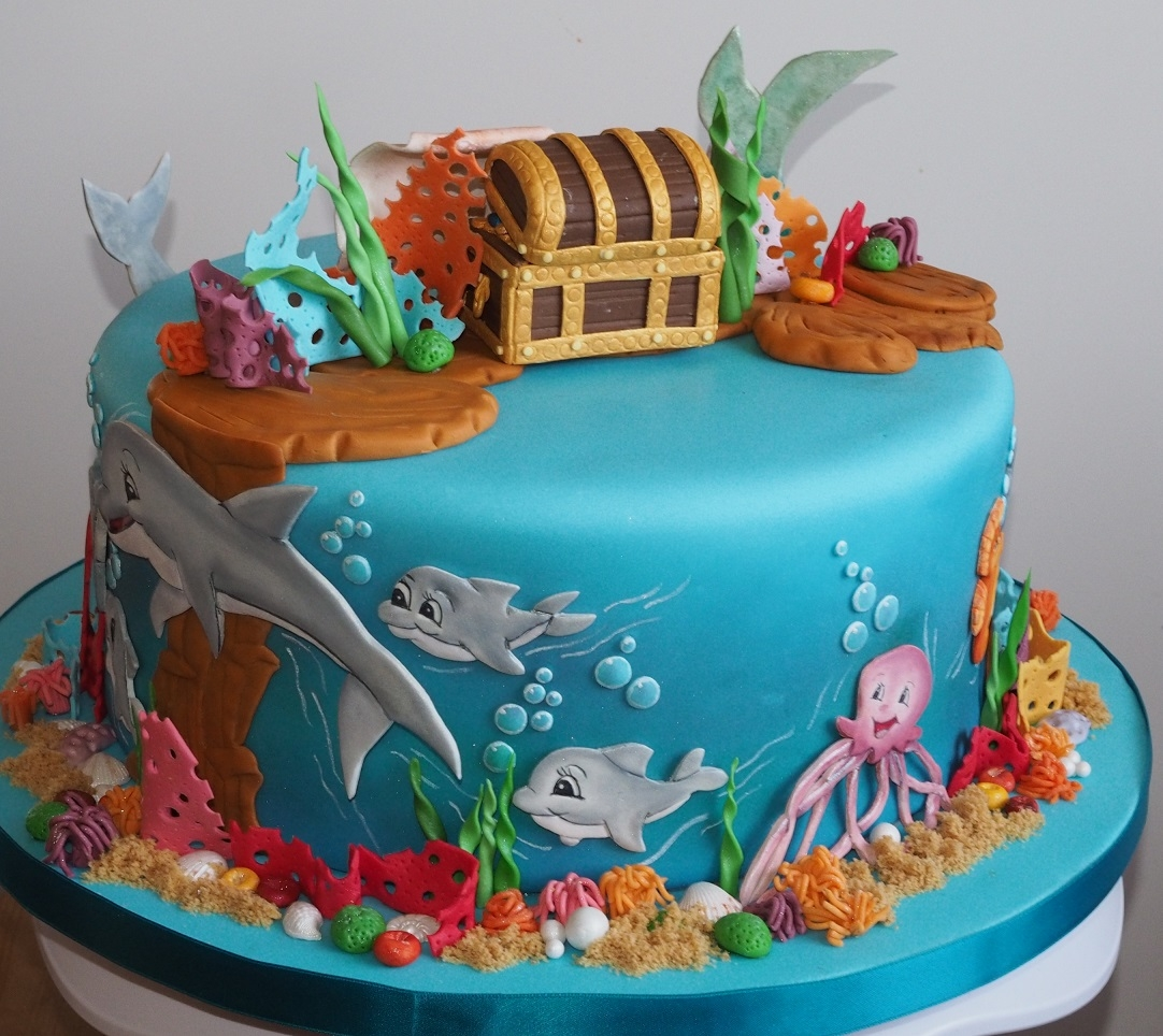 Ariel Cake Decorations My Daughter Wanted A Cake With Ariel Dolphins And A Treasure Chest