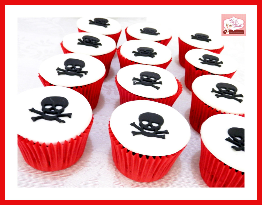 Skull & Bone Pirate Cupcakes on Cake Central