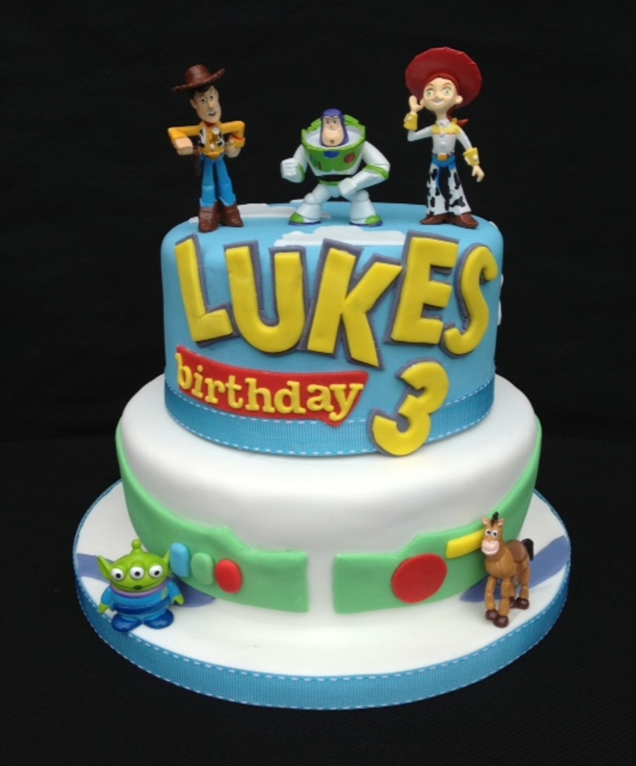 Making A Toy Story Birthday Cake