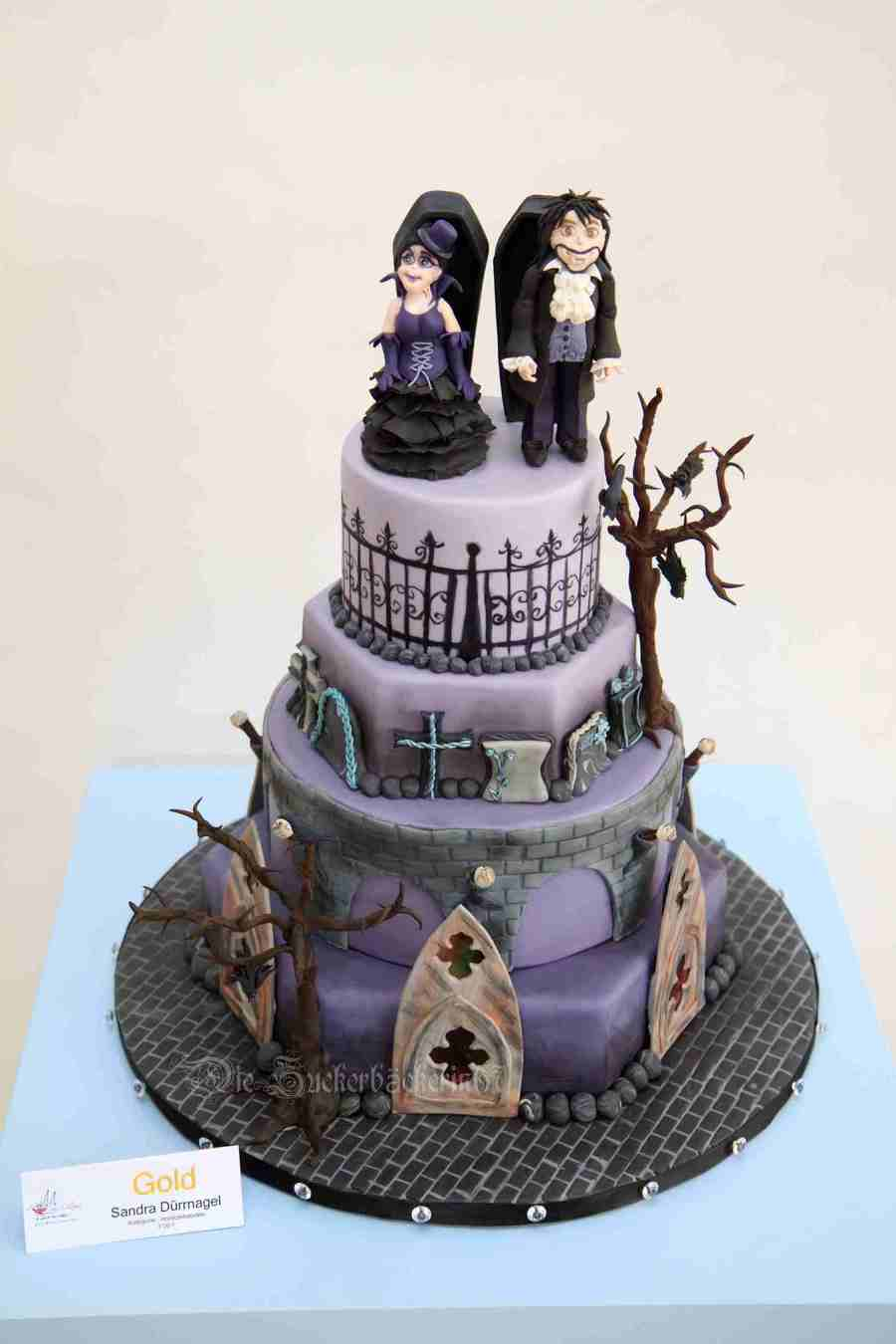 My Vampire Gothic Wedding Cake I Won On The Cake Cologne A ...