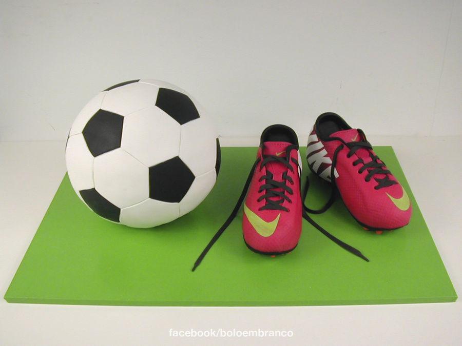 Cristiano Ronaldo S Shoes Cakecentral Com