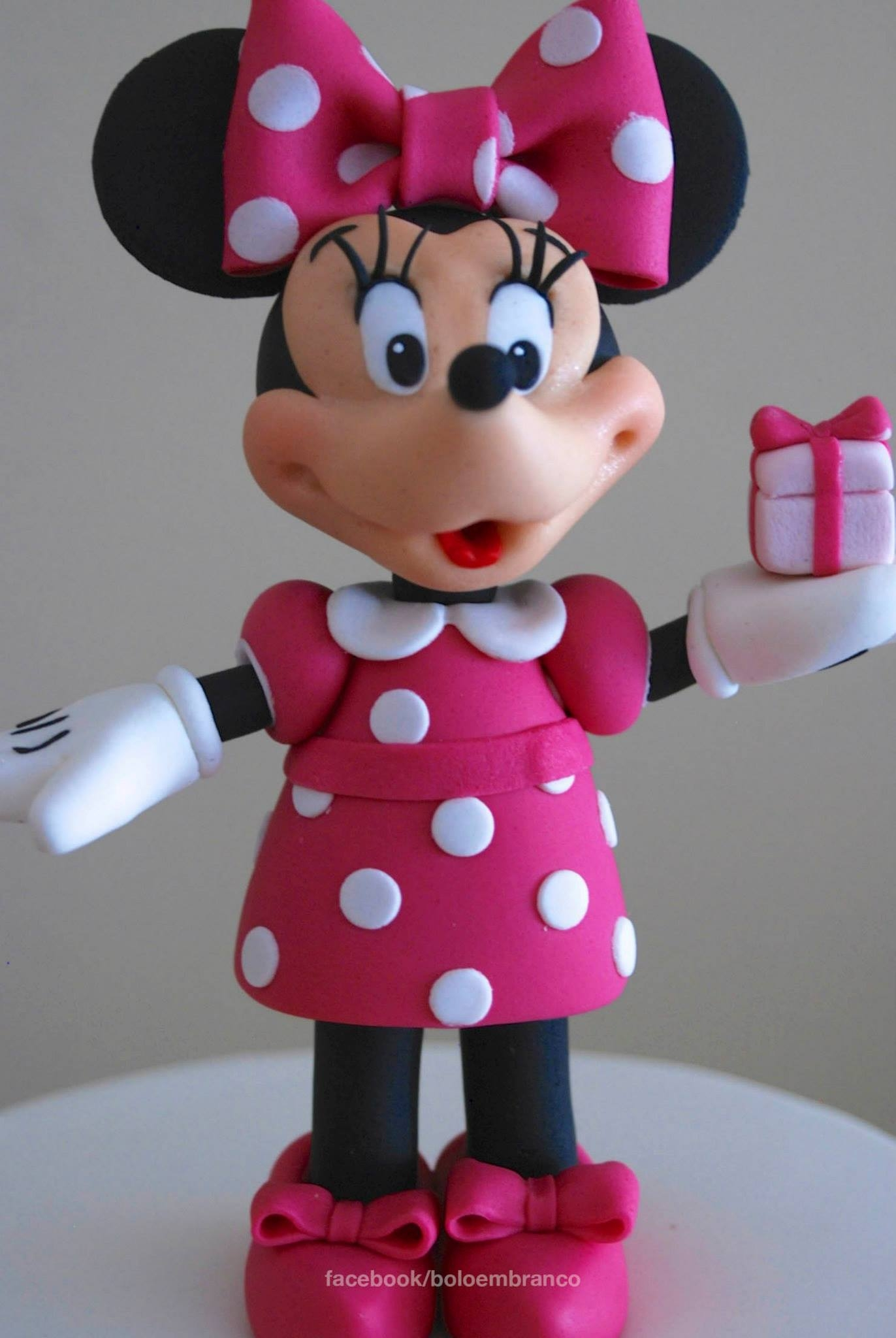 Minnie Mouse Cake Tutorial