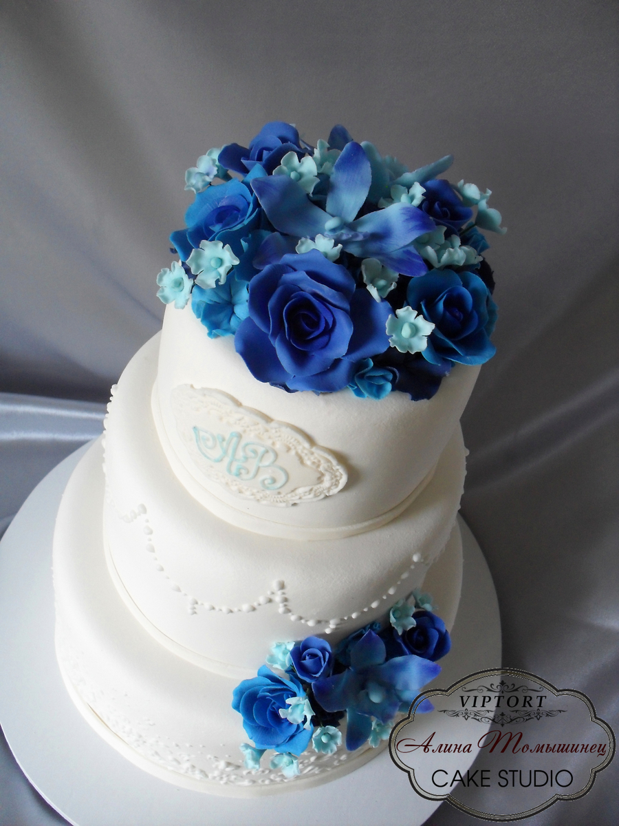 blue flower wedding cake wedding cake with blue flowers cakecentral 11984