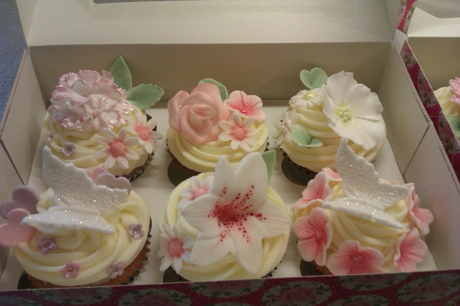 Floral Mother's Day Cupcakes - CakeCentral.com