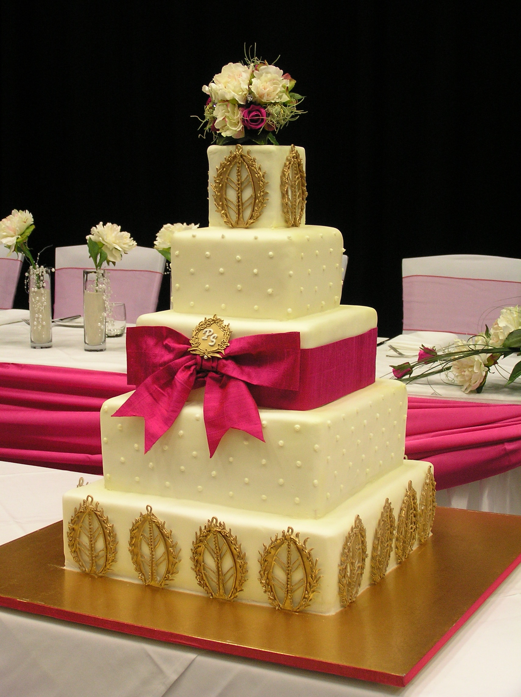 indian wedding cakes pictures stunning indian wedding cake cakecentral 16421