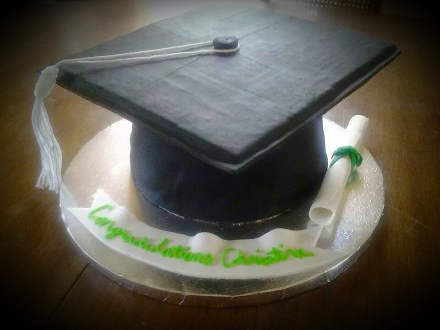 Graduation Cake Recipes Pictures : Graduation Cap Cake - CakeCentral.com