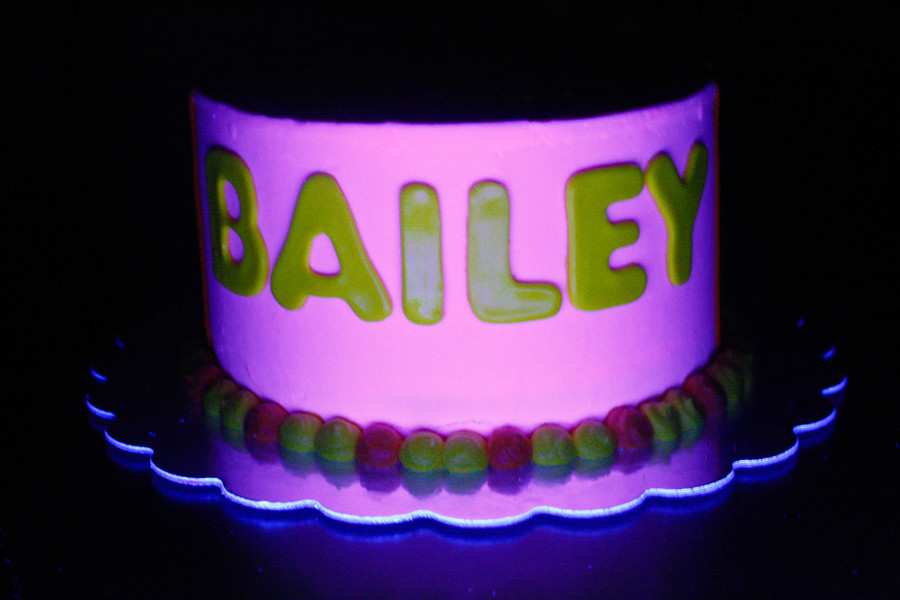 Glow In The Dark Cake Black Light Cakecentral