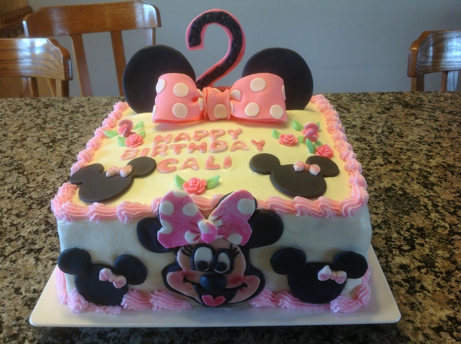 Minnie Mouse Ice Cream Cake Recipe