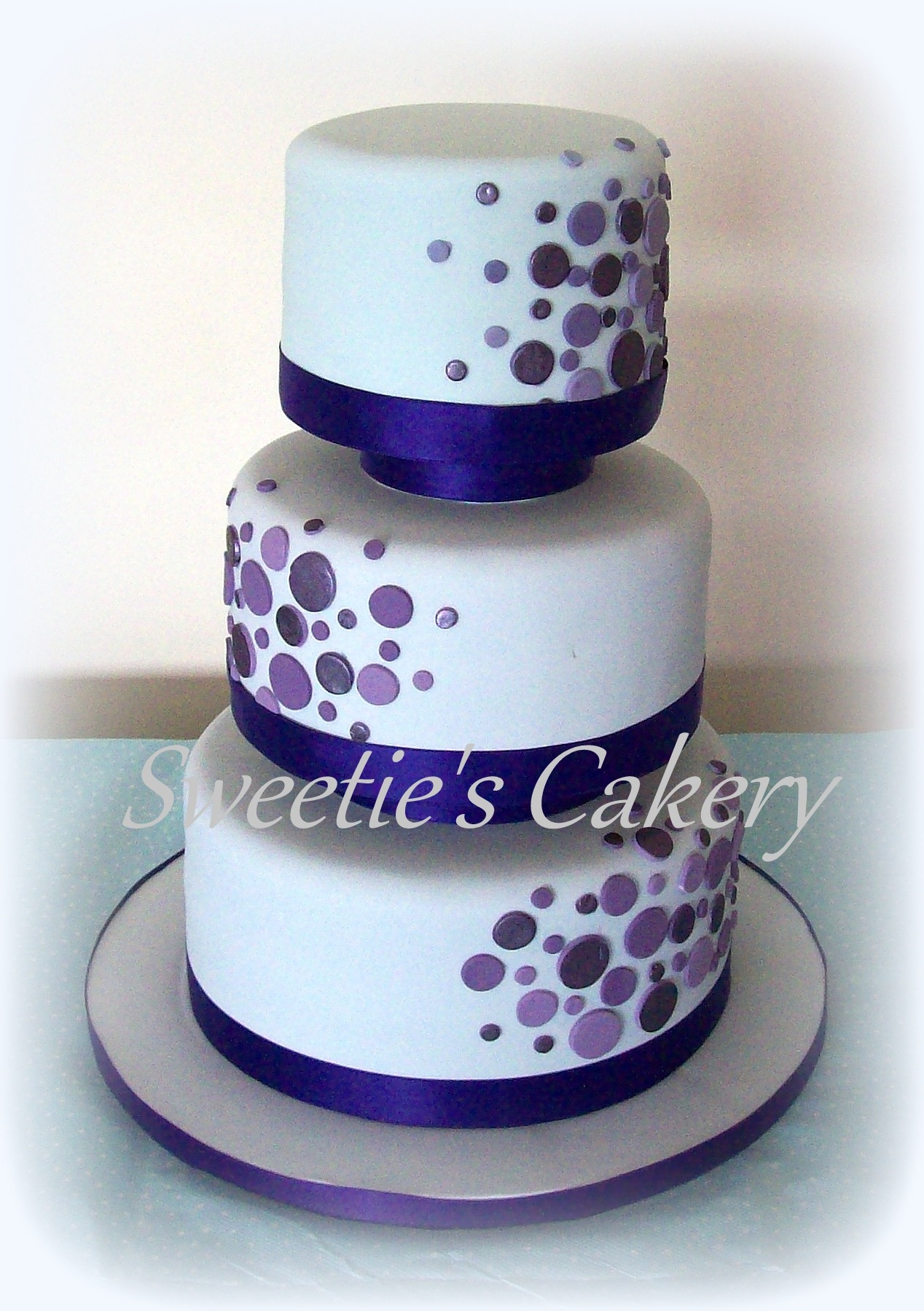 wedding cake with dots polka splash wedding cake cakecentral 26869