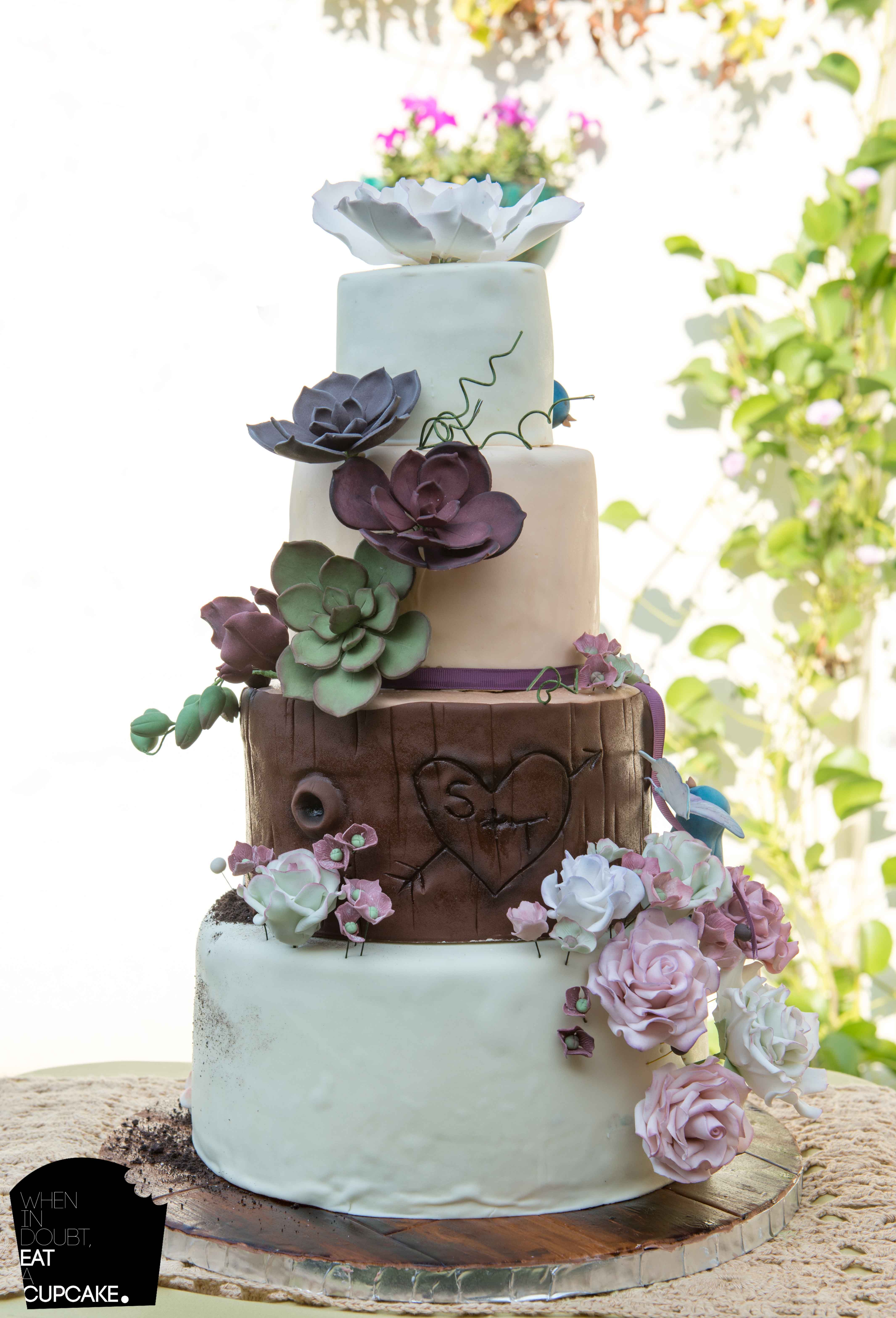 Buttercream Wedding Cakes With Wood