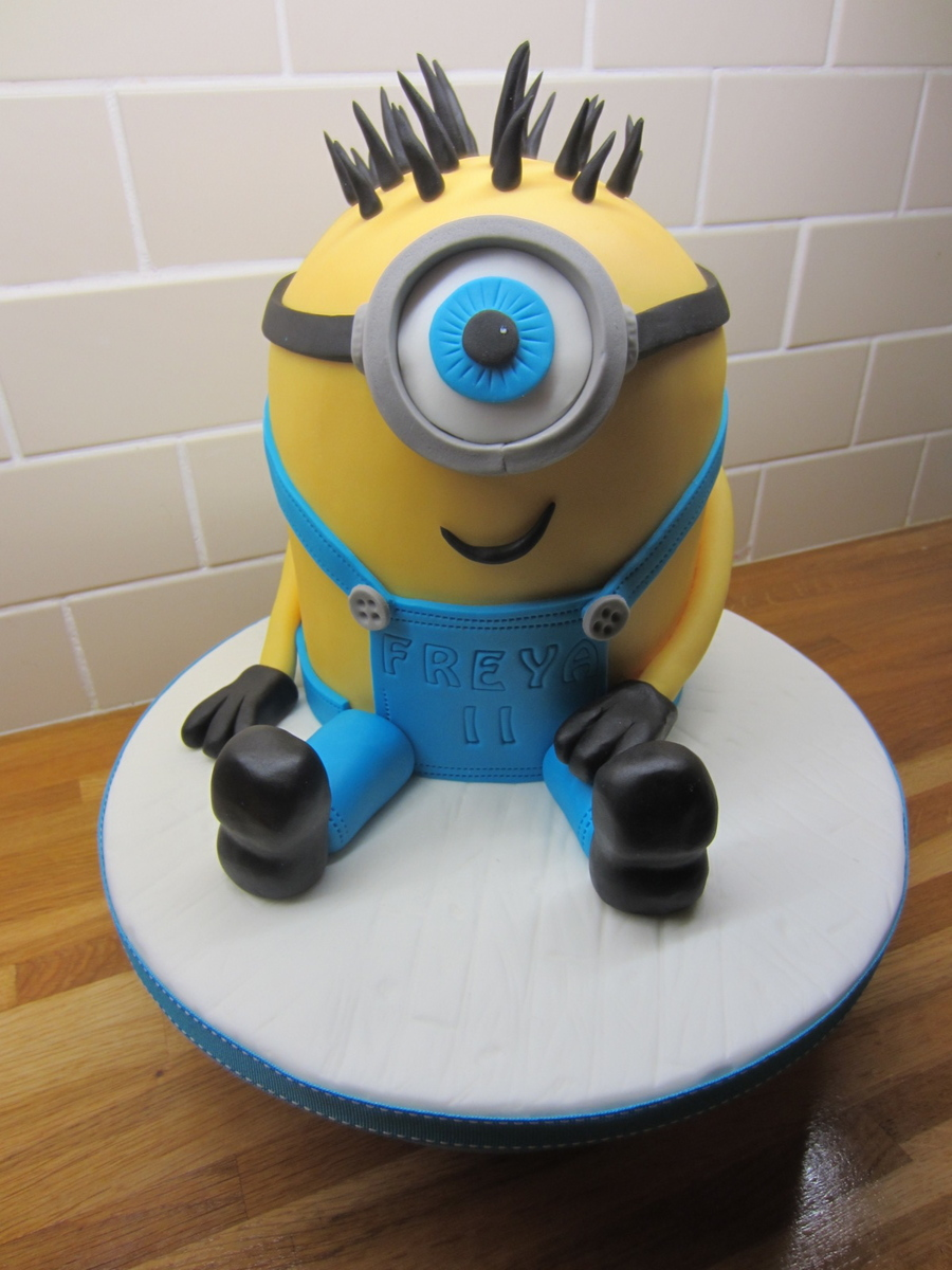 One Eyed Minion Cake on Cake Central