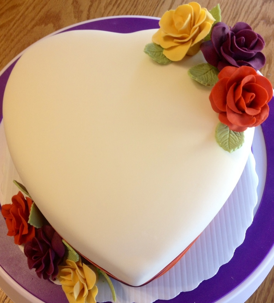 Heart Shaped 6 Wedding Cake For Just The Bride And Groom