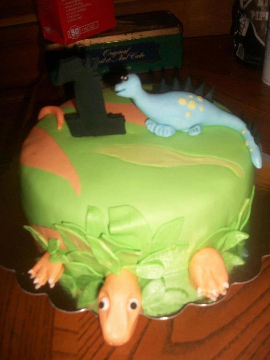 Excellent Dinosaur Cake For 1 Year Old Boy Cakecentral Com Personalised Birthday Cards Cominlily Jamesorg