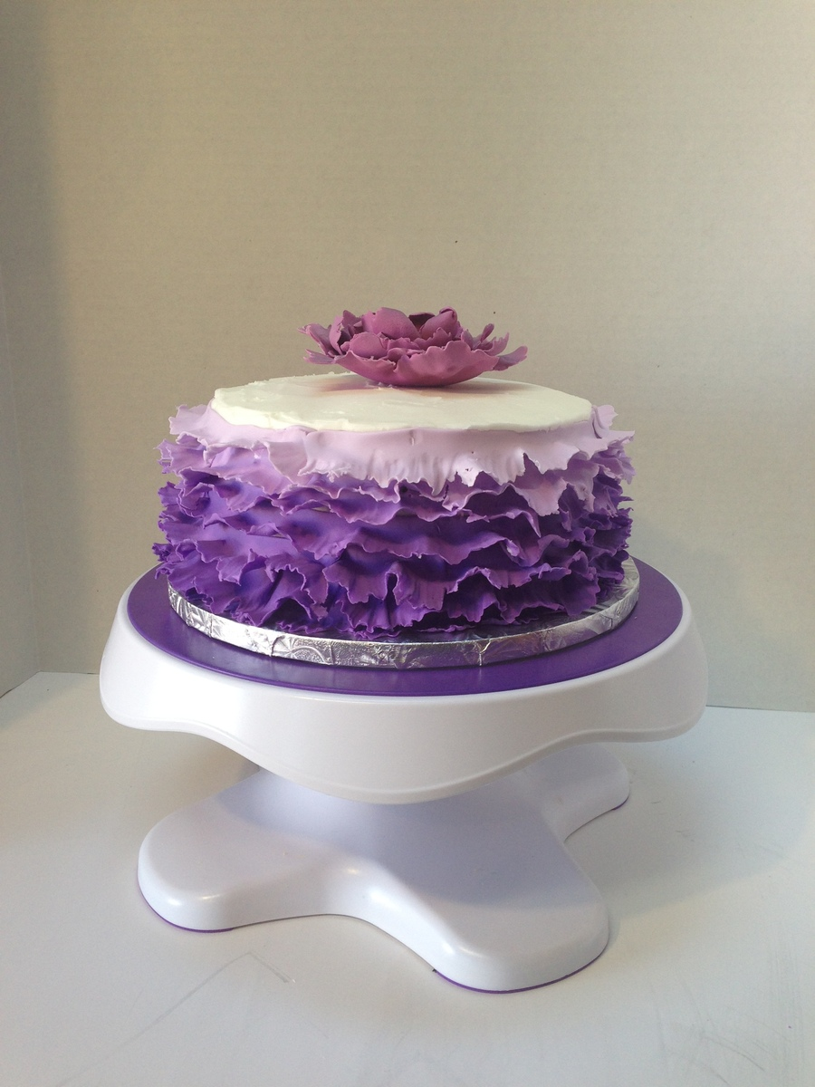 First Attempt At A Ruffle Cake on Cake Central