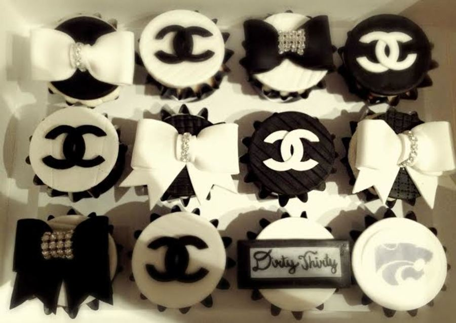 Chanel Cupcakes Made With Fondant on Cake Central