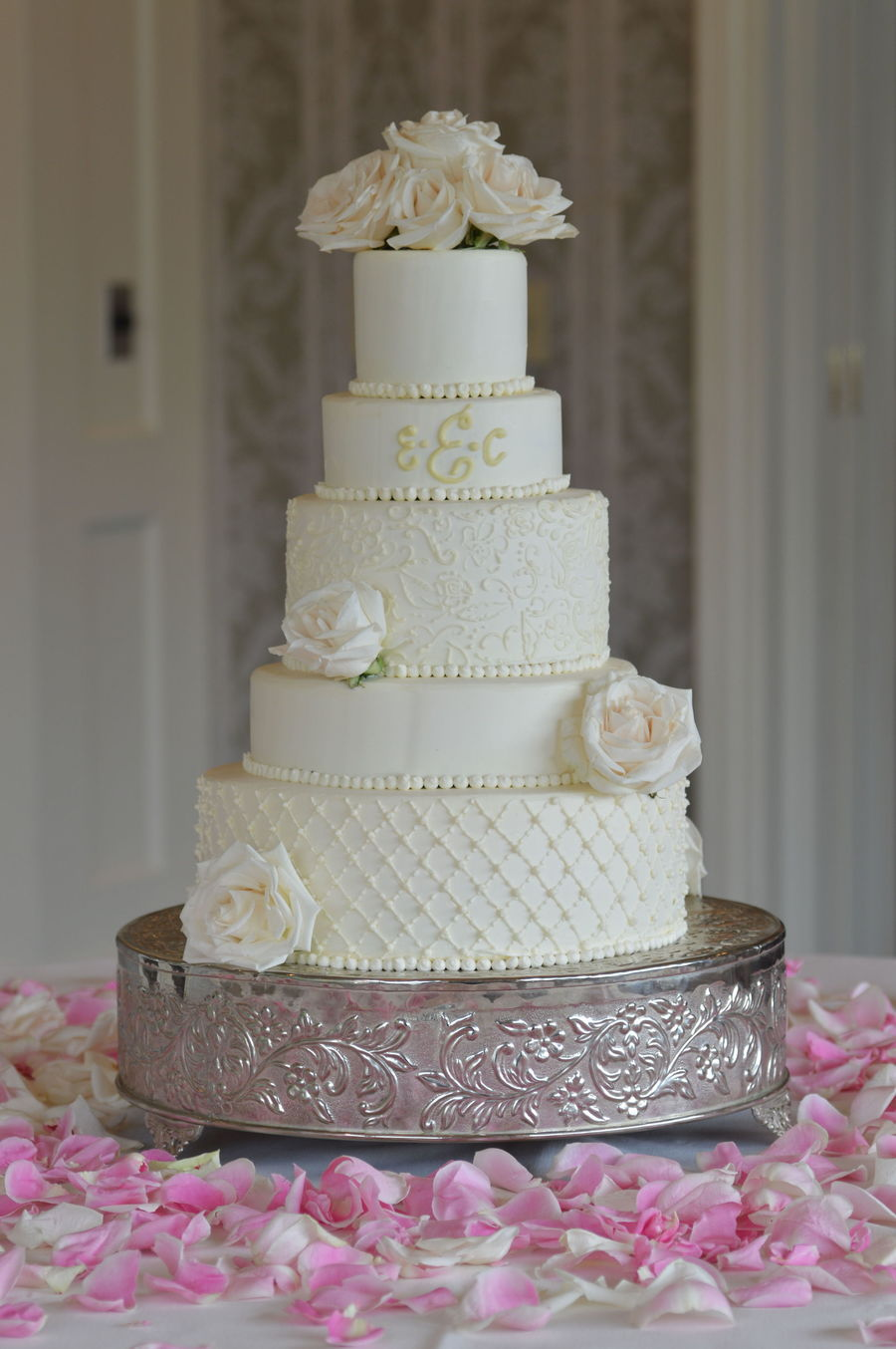white buttercream wedding cake buttercream cake with piping details and fresh roses 27235
