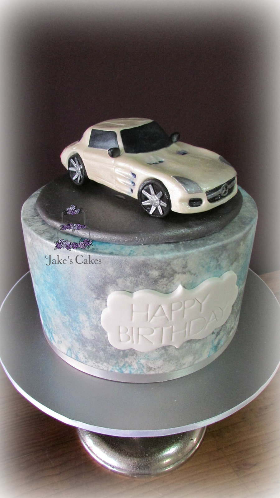 Mercedes benz sls amg gt car cake for Mercedes benz birthday cake