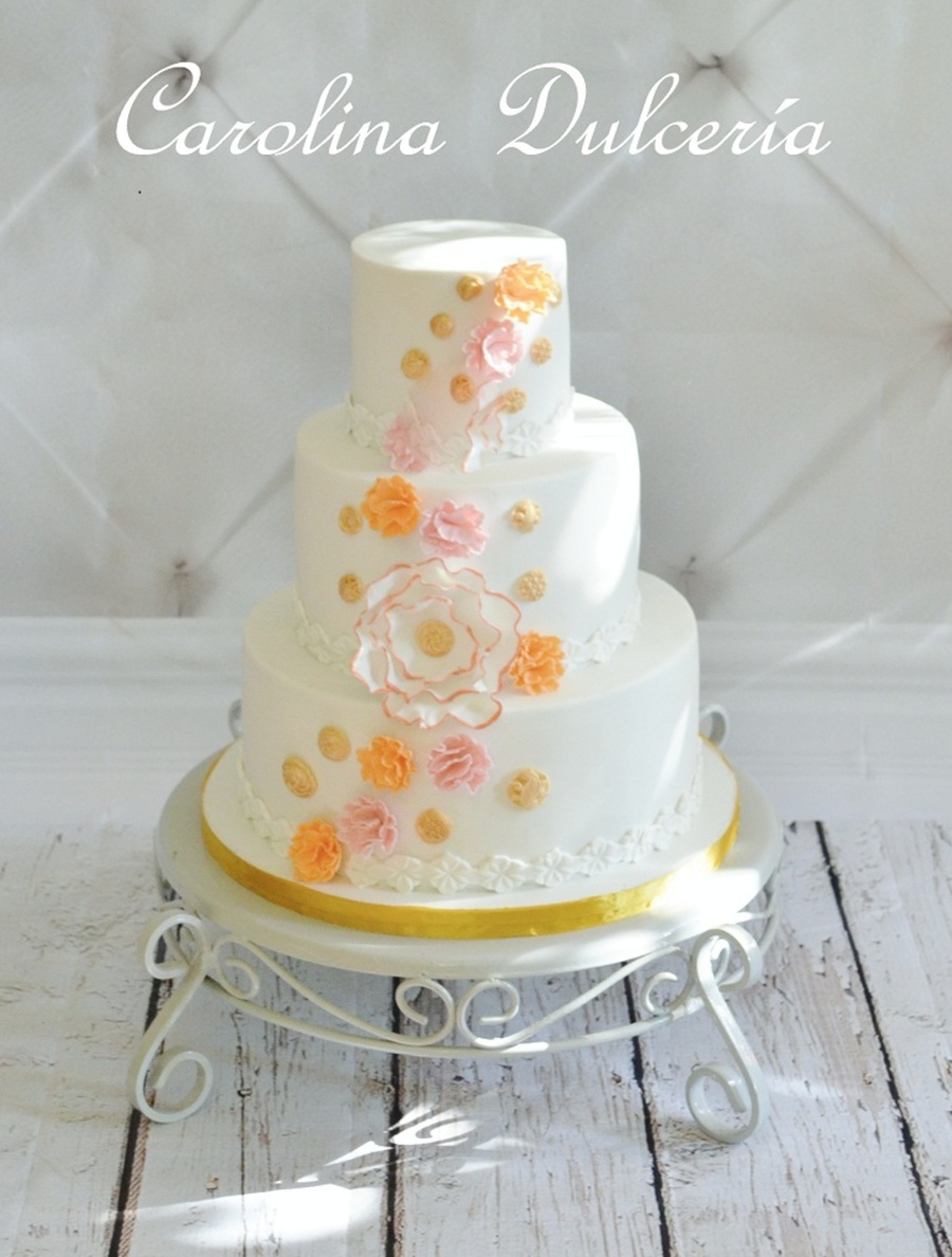 Inspired In Lori Hutchinsons Design on Cake Central