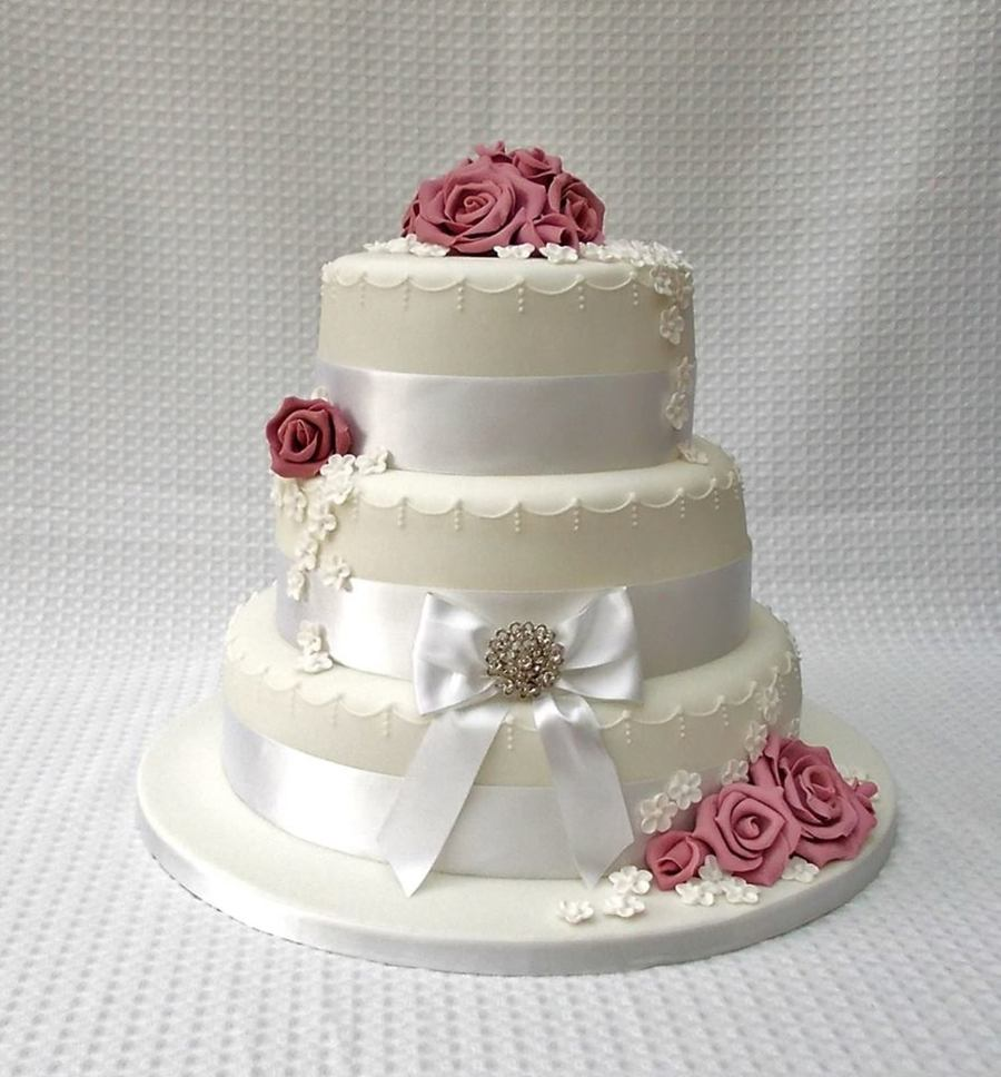 Gumpaste Flowers For Wedding Cakes: Dusky Pink Three Tiered Wedding Cake With Sugar Paste